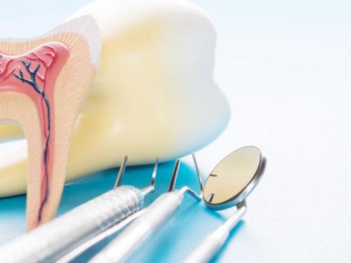 Utrata tkanek zębów – przyczyny niezwiązane z próchnicą